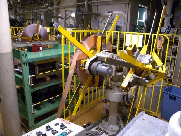 高い生産性を誇るプレス加工設備4