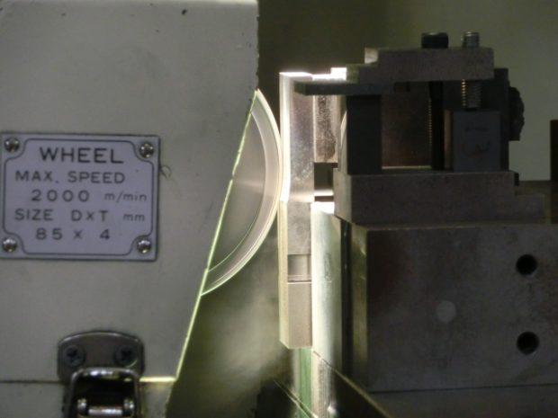 高精度研削加工設備2