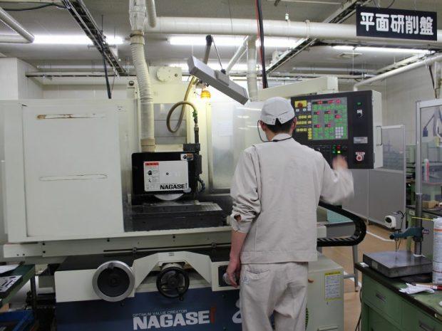 高精度研削加工設備3