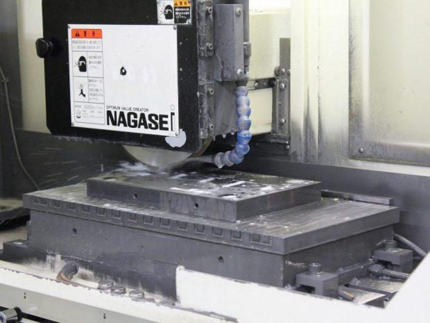 高精度研削加工設備4